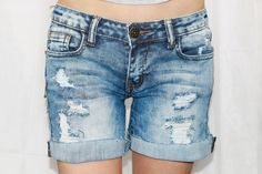 PLACES TO BE DISTRESSED ROLLED SHORTS