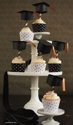 Adorable graduation cupcake toppers for your grad!
