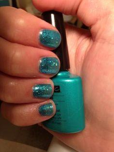 Beautiful sparkly Shellac polish