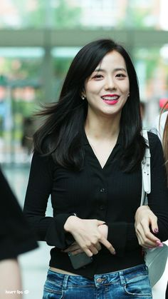 Best Hot Photo& of Jisoo Blackpink Blackpink Jisoo, Kim Jennie, Black Pink ジス, Blackpink Members, Yg Entertainment, Blackpink Fashion, Airport Style, Hottest Photos, South Korean Girls