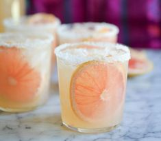 These simple pitcher palomas are the perfect refreshing tequila cocktail! - DIY decoration - These simple pitcher palomas are the perfect refreshing tequila cocktail! Party Drinks, Cocktail Drinks, Fun Drinks, Beverages, Tequilla Cocktails, Grapefruit Cocktail, Tequila Drinks, Mexican Cocktails, Best Tequila Mixers