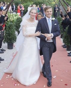 Royal Wedding Gowns, Royal Weddings, Wedding Dresses, Bourbon, Princess Alexandra, Princess Stephanie, Parma, Hollywood Fashion, Got Married