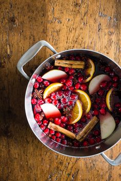 This holiday spiced mulled wine is just what your holiday party needs! Full of red wine, apple cider, whole spices and lots of fresh fruit. You'll love how cozy you'll feel sipping on a mug of this deliciousness. Thanksgiving Recipes, Fall Recipes, Wine Recipes, Holiday Recipes, Thanksgiving Feast, Christmas Recipes, Christmas Time, Christmas Ideas, Spiced Mulled Wine Recipe