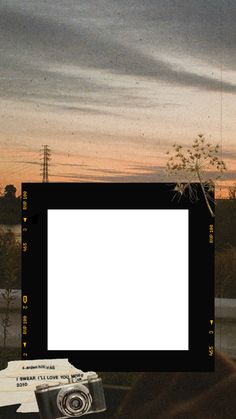 Photo Frame - Ideas That Produce Nice Photos Irrespective Of Your Abilities! Polaroid Frame Png, Polaroid Picture Frame, Polaroid Template, Polaroid Pictures, Editing Pictures, Online Graphic Design, Graphic Design Tools, Creative Instagram Stories, Story Instagram