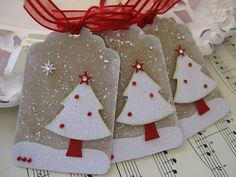 Glittery Christmas Tree Tags by patpcp Christmas Gift Wrapping, Christmas Paper, All Things Christmas, Handmade Christmas, Elegant Christmas, Handmade Tags, Handmade Ideas, Card Tags, Card Kit