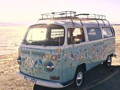 Volkswagen – One Stop Classic Car News & Tips Kombi Trailer, Vw Caravan, Kombi Motorhome, Motorhome Travels, Caravan Ideas, Combi Hippie, Van Hippie, Hippie Car, Hippie Vibes