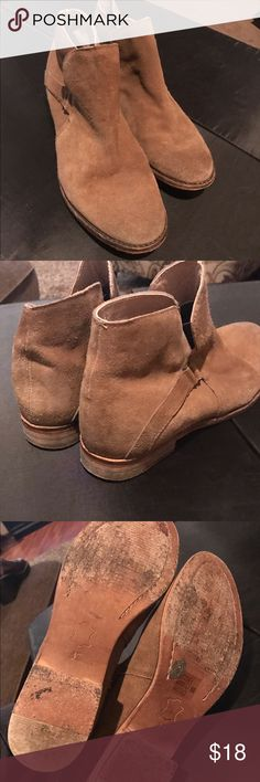 Free People suede ankle boots Free People tan suede ankle boots. These have wear as seen in pics price reflects but still have life in them. No rips or tears on fabric . Free People Shoes Ankle Boots & Booties
