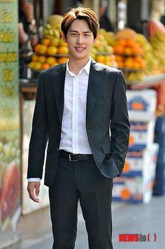 Misaeng: Si Wan outtakes at Jordan Im Siwan, Yong Pal, Lee Bo Young, Bridal Mask, Joo Won, Yoo Ah In, Moon Chae Won, Korean Wave, Good Doctor