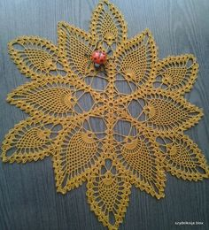 Oval crochet doily, new hand c Crochet Doilies, Crochet Flowers, Knitting Patterns, Crochet Patterns, Deco, Diy And Crafts, Projects To Try, Car Covers, Jewelry