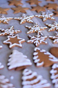 Lardecoramado: Natal- Biscoitos de gengibre e canela Gingerbread Cupcakes, Christmas Biscuits, Drop Cookie Recipes, Canela