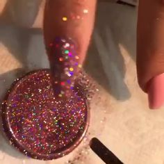 Nail art Christmas - the festive spirit on the nails. Over 70 creative ideas and tutorials - My Nails Aycrlic Nails, Glam Nails, Bling Nails, Glitter Nails, Manicure, Nail Art Designs Videos, Nail Art Videos, Gorgeous Nails, Pretty Nails