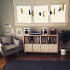 Ikea Kallax hack for record collection …