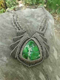 Jaspis - Kette Makramee grüner Jaspis - ein Designerstück von Magic-Knots bei…