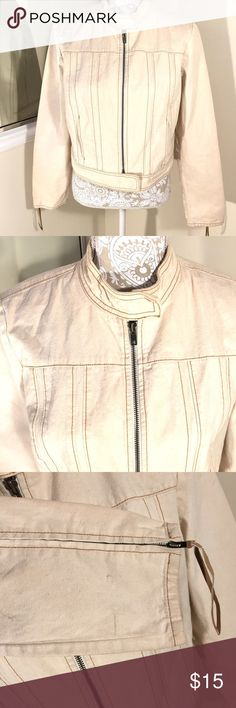 Gap Denim Moto jacket Cream Gap Denim jacket. Zip jacket with snap button at the bottom as well as the neck. 2 pockets. Zip at the arms. Small scruffs at the cuff depicted on the photo. Just need a good clean. Large but fits medium quite fine. GAP Jackets & Coats Jean Jackets