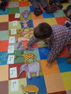 Resultado de imagem para a que sabe a lua Moon Activities, I Love Math, Sistema Solar, Children's Literature, Teaching English, Story Time, Nursery Rhymes, School Projects, Games For Kids