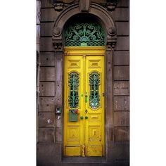 .YELLOW ❤ liked on Polyvore featuring backgrounds, pictures, doors, photos and yellow