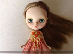 Dress dyeing and embroidery rococó for Blythe/Pullip