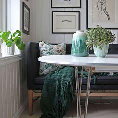 Dining - Scandinavian home Living Room Sofa, Living Room Decor, Living Spaces, Oslo, Feng Shui Interior Design, Scandinavian Modern, Decorating On A Budget, Table, Instagram
