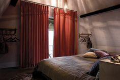 Copahome raamdecoratie. Marrakech overgordijn, gordijnen, raamdecoratie, rood oranje / rideau rideaux, Maroc, atmosphere, intérieur, fenêtre, décoration de fenêtre, rouge orange