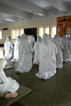 Mother Teresa House in Calcutta. Sisters pray in Adoration.