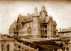 Mark Hopkins Mansion destroyed in the San Francisco Earthquate & Fire of 1906.
