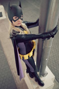 Character: Batgirl (Stephanie Brown) / From: DC Comics 'Detective Comics' & 'Batgirl' / Cosplayer: Aigue-Marine Cosplay Batgirl Cosplay, Dc Cosplay, Batman And Batgirl, Superhero Cosplay, Cosplay Girls, Batgirl Costume, Female Cosplay, Batwoman, Nightwing