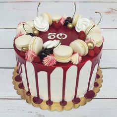 drip cake, birthday cake, white macaron