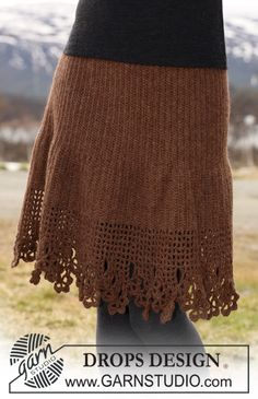"""DROPS Skirt in """"Classic Alpaca"""" crochet from side to side with lace border along bottom edge. Size S to XXXL ~ DROPS Design"""