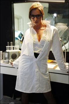 Google Image Result for http://lisamleung.files.wordpress.com/2012/06/sexy-scientist.jpg
