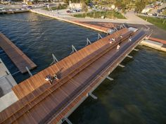 Puente peatonal y lounge del atardecer Bostanli, İzmir, Turquía - Studio Evren Başbuğ - © ZM Yasa Architecture Photography