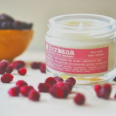 Organic anti aging face cream for normal and combination skin. Natural moisturizing face cream with rosehip oil, pomegranate extract and Anti Aging Creme, Best Anti Aging, Anti Aging Skin Care, Aging Cream, Organic Skin Care, Natural Skin Care, Dry Sensitive Skin, Dry Skin, Natural Moisturizer
