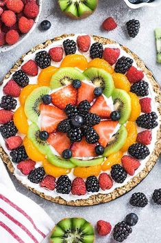 - This Healthy Fruit Pizza makes the perfect easy breakfast, brunch or dessert. Be… This Healthy Fruit Pizza makes the perfect easy breakfast, brunch or dessert. Best of all, only 30 minutes to make with any combo of fruits & easy oat crust Pizza Recipes, Brunch Recipes, Recipes Dinner, Free Recipes, Fruit Pizza Bar, Dinner Show, Snacking, Lunch Boxe, Gluten Free Granola