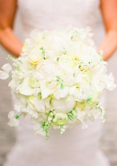 Bridal Bouquet, Andrew Pascoe Flowers - New York City Wedding http://caratsandcake.com/karaandmichael