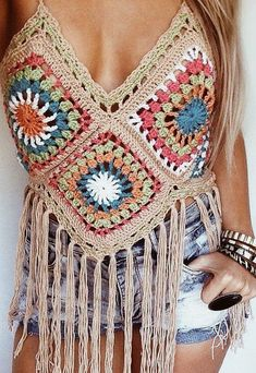 61 Stylish and Cute Crochet Top Pattern Ideas for Summer! Part crochet top pattern; crochet top plus size; T-shirt Au Crochet, Crochet Hippie, Crochet Mignon, Crochet Shirt, Crochet Woman, Crochet Top Outfit, Crochet Outfits, Crochet Style, Crochet Granny