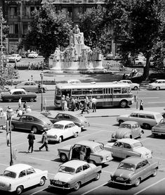 Budapest, Back In Time, Old Buildings, Historical Pictures, Old Pictures, Hungary, Vintage Photos, Times Square, Architecture