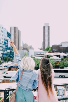 Two Girls in NEW YORK!