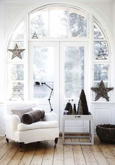 Beautiful Danish christmas inspiration in white and brown | my scandinavian home | Bloglovin'