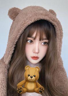 Cute Cat Drawing Easy, Myanmar Dress Design, Cute Korean Girl, Face Beauty, Ulzzang Girl, Aesthetic Girl, Woman Face, Easy Drawings, Pretty Girls