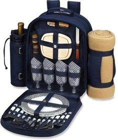 For your next gourmet camping meal, invite your 3 favorite foodies and bring along this fully equipped backpack.