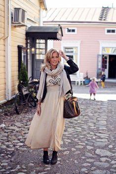 Me Naiset – Blogit | Kalastajan vaimo – DIY (faux)furvest Midi Skirt, Hair Styles, Skirts, Life, Fashion, Womens Fashion, Outfit, Hair Plait Styles, Moda
