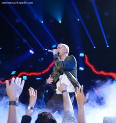 Página Oficial Eminem's Fans club Colombia starting from zero! Eminem Soldier, Swag Cartoon, Rap God, Slim Shady, Harry Potter, Some Pictures, Concert, Soldiers, Music