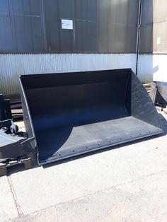 Produsele noastre pot fi realizate pentru orice model de utilaj. Telefon: 0754 390 689 Tractor, Flat Screen, Blood Plasma, Tractors, Flatscreen, Dish Display