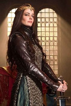 """The leather is probably too thin to count as armour in any LARPs but the outfit looks great. Eva Green as """"Morgan"""" (presumably Morgana le Fay) in Camelot Lagertha, Roi Arthur, King Arthur, Eva Green Camelot, Eva Green Interview, Morgana Le Fay, Fantasy Costumes, Period Outfit, French Actress"""