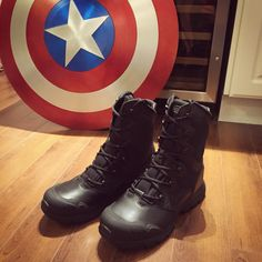 Captain America boots as seen in the Winter Soldier movie and Avengers Age of Ultron - Magnum Men's Mach 1 Tactical Boot Winter Soldier Movie, Captain America Costume, Avengers Age, Age Of Ultron, Combat Boots, Comic, Cosplay, Costumes, Dress Up Clothes