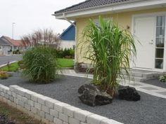 Klippa elefantgräs och japanska gräs - Trädgårdsforumet Mykonos, Open Plan Apartment, Turbulence Deco, Garden Design, House Design, Geometric Decor, Diy Garden Decor, Cozy House, Garden Inspiration