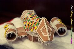 Gingerbread spaceship | Cool Gingerbread Houses