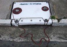 Cassette Graffiti Art, Graffiti Images, Best Graffiti, 3d Street Art, Best Street Art, Amazing Street Art, Street Artists, Banksy, Yarn Bombing