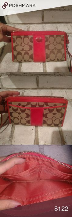Coach wallet Fill size coach wallet, has matching purse on my site. Great condition! Coach Accessories