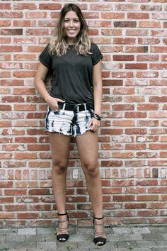 diy denim shorts / jeans shorts / bleached / dip dye