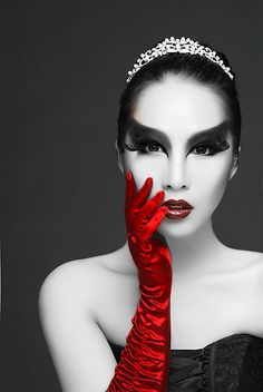Rule of thirds: I love how the image has been positioned because the first thing your eyes are drawn to are her striking eyes. I also love how there are only two colours because the simplicity is gorgeous. Color Splash, Color Pop, Red Color, Hot Hands, Red Gloves, Rule Of Thirds, Black White Red, Black Swan, Photos